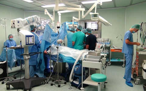 بعض الصور من غرف العمليات بالمستشفى