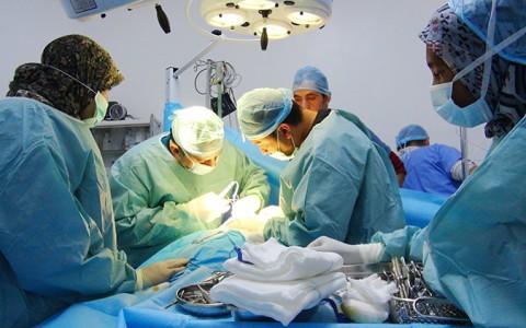 زيارة وفد طبي من مستشفى مصراتة الى غات